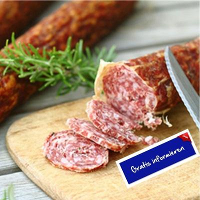 Im malerischen Kastelruth stellt Familie Trocker diese aromatischen Salami verfeinert mit Knoblauch her. Hier klicken: http://blogde.rohinie.com/2013/01/wurst/ #Italien #Suedtirol #Trentino #Salami #Knoblauchsalami