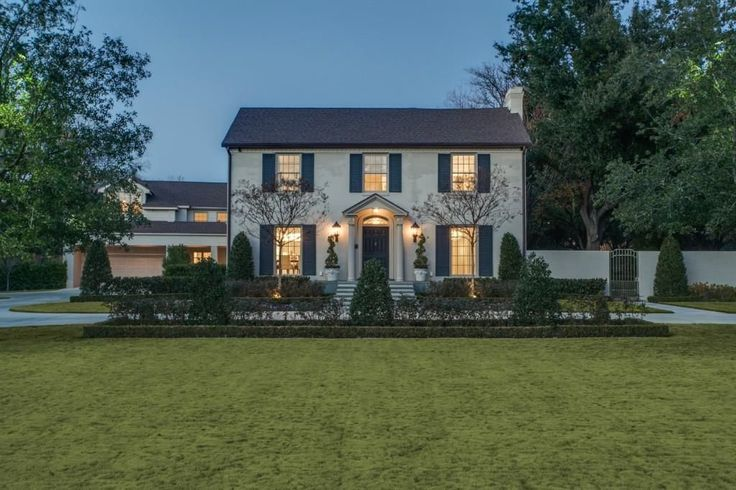 Prestigious+Sunnybrook+Estates+on+1.37+acres.+Beautifully+updated-Modern+Transitional-Sleek+clean+lines-Rich+dark+hardwoods-Carrera+marble-Museum+white+walls-Grand+sized+rooms.+Great+property+for+entertaining.+Family,+Media,+Game,+and+Exercise+rooms.+Quarters+and+room+for+additional+guests+and+family+for+an+extended+stay.+Fab+outdoor+space+-+oversized+saltwater+pool+plus+large+play+yard.+Security+Sys.+Electric+gates,+circle+drive,+4+car+garage.|strip_tags