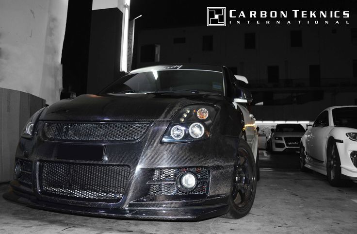 July 2014, White full carbon swift sports with CS style carbon fenders, SLR style carbon hood and many other parts. Picture 06