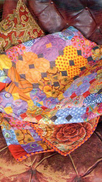 Kaffe Fassett Amber Snowball quilt at Glorious Colour.  from the book Quilt Grandeur.