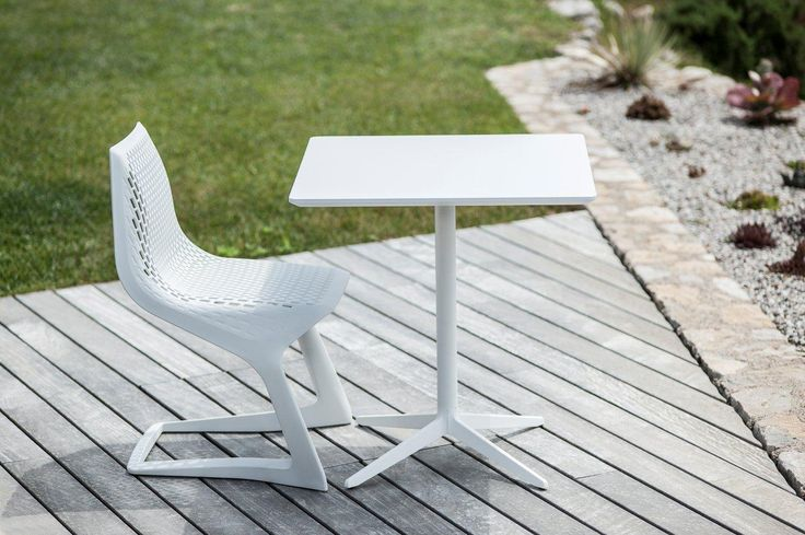 PLANK MYTO chair, design Konstantin Grcic and MISTER X table, design Cisotti Laube  http://www.plank.it/products/outdoors/