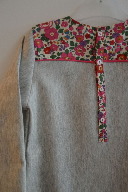 Un peu de tissu #Liberty et hop, on customise un pull
