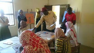 Zanzibar art, in the eyes of a local artist Dullah Wise.: Art therapy at Kidonge Chekundu Mental Hospital, Z...