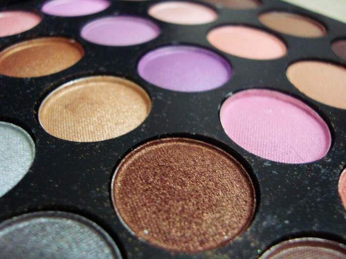 paleta-de-sombras-de-ojos-maquillaje