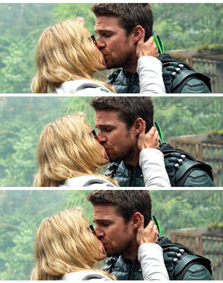 "#Arrow 5x23 ""Lian Yu"" - Oliver and Felicity"