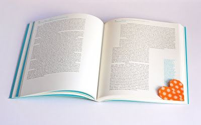 Heart-shaped page marker origami | How About Orange