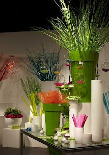 Floral Design Instruction Saveoncrafts.com great site for cheap event design and inspiration.