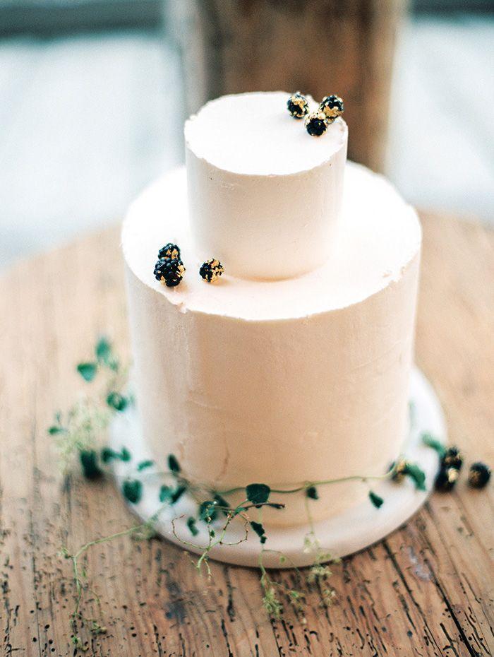 Simple Organic Wedding I Cake: Tess Comrie I Jill Thomas Photography
