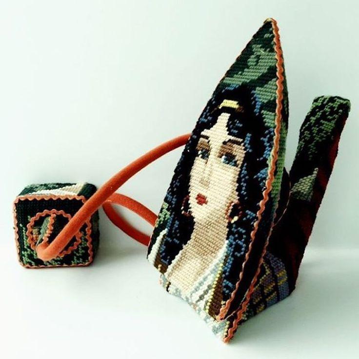 Recouvrir des objets du quotidien avec de la tapisserie aux petits points… C'est le travail artistique de Ulla Stina Wikander.