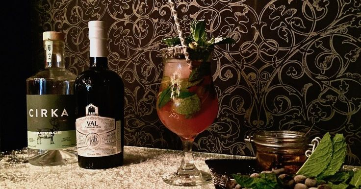 L'instant Cocktail - La Ginette est le premier cocktail de notre collaboratrice Gabrielle Panaccio. Fait à partir d'ingrédients du Québec. À essayer!
