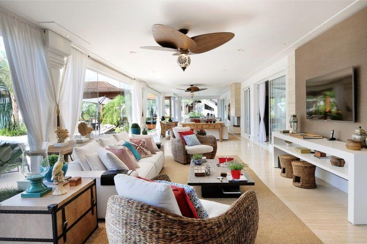 Varanda #arquitetura #decoracao #casa #home #architecture #interiores #projeto #decor #poltrona #coral #ventilador #sala