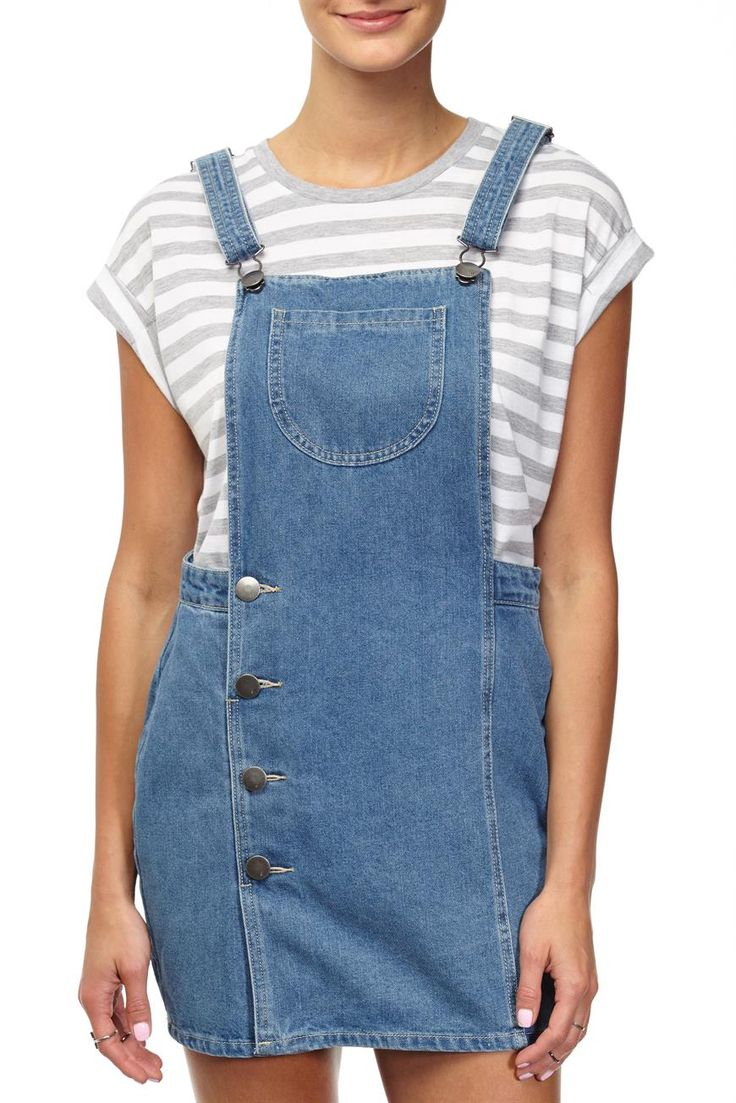 The Overall Dress is your classic overall style dress. Team this back with a tee and some sneakers for a casual cool look. Composition: 100% Cotton. Model wears size S.