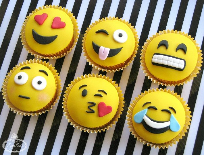 Put down the phone, pick up the cake tools and learn to make six expressive fondant toppers for adorable emoji cupcakes - on Craftsy!