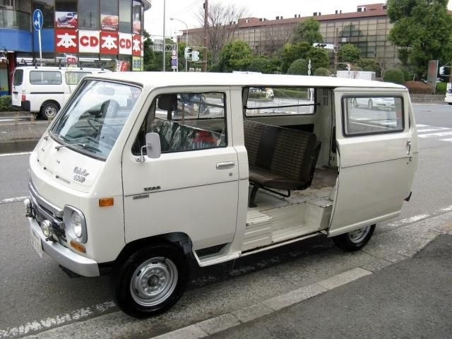 NISSAN : OLD VAN Archives