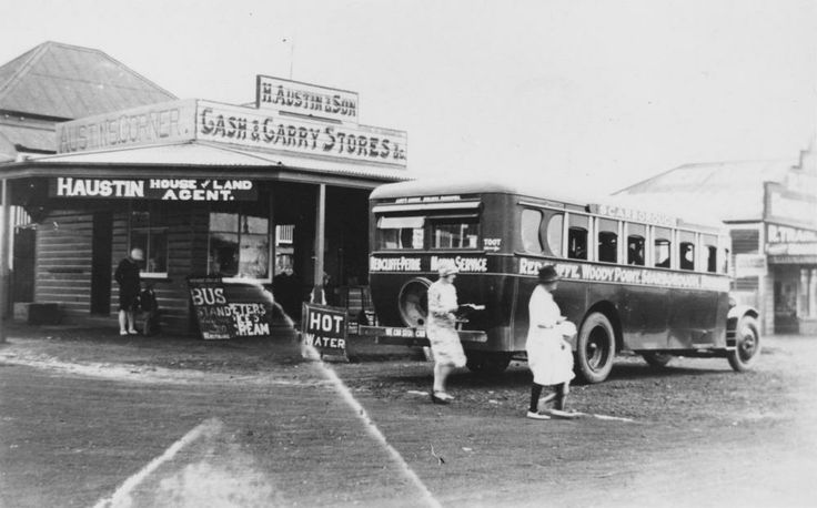 Passengers leaving the Redcliffe-Petrie bus at Woody Point, ca. 1930