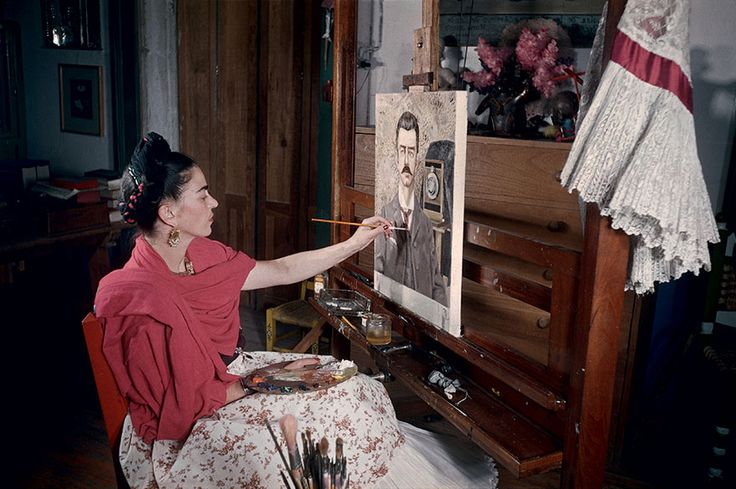 awesome 10+ Rare Photos Of Frida Kahlo During The Last Years Of Her Life To Celebrate Her 110th Birthday
