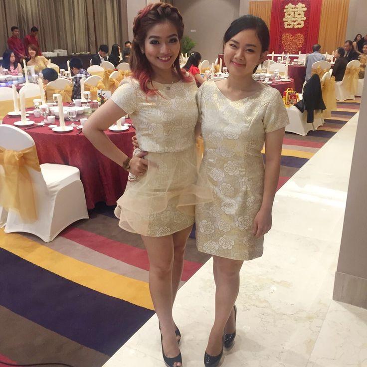 "DABOOM! 🌼✨ Rose Gold Top and Skirt 👗. Ceritanya si kembaran juga begitu loh! Dress kita berdua design kita masing"" 😎 #engagement #dresscode #madebyorder #design #fashion #fashionesia #fotd #bestfriend #oldfriend #readytowear #readyforrent #rent #top #skirt #rose #gold #iphonesia #instagrameverywhere #organdi #clubsocial #makeportraits #mywishdecoration"