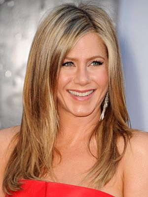 The secrets to Jennifer Aniston's 2013 Oscars makeup, straight from her makeup artist, Angela Levin