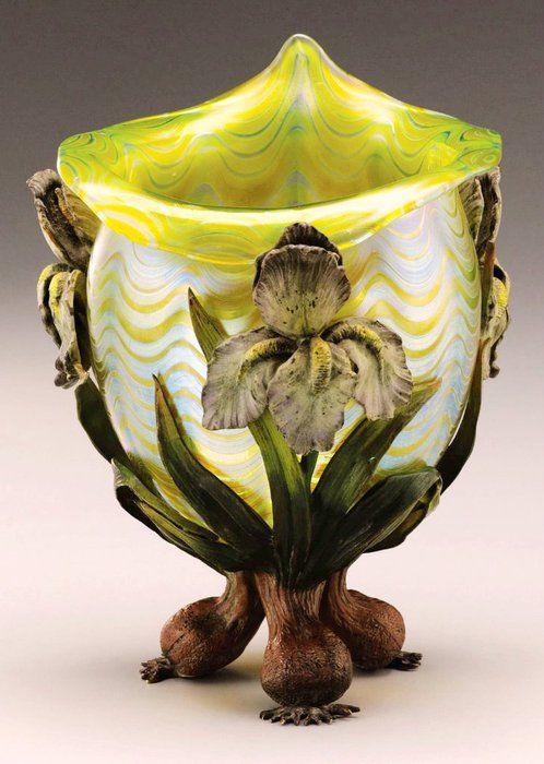 Art Nouveau Art-Glass in Art Nouveau style Enamelled metal base ♥≻★≺♥