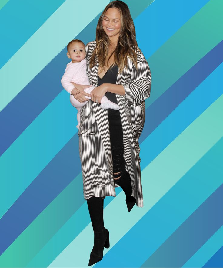 Chrissy Teigen Robe Coat Pajamas Airport Travel Outfit | Chrissy Teigen put together the most ingenious outfit for airport travel, and you probably already have it in your pajama drawer. #refinery29 http://www.refinery29.com/2016/12/134118/chrissy-teigen-robe-coat-pajamas-airport-travel