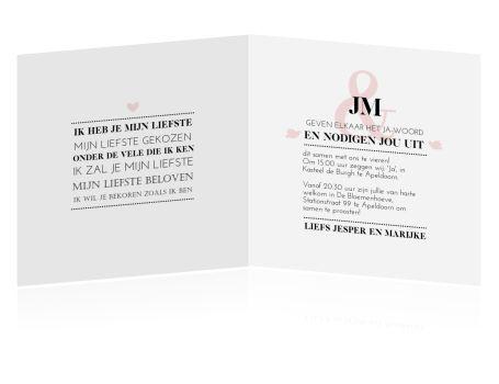 Typografische trouwkaart stijlvol opgemaakt in zwart wit en zacht roze