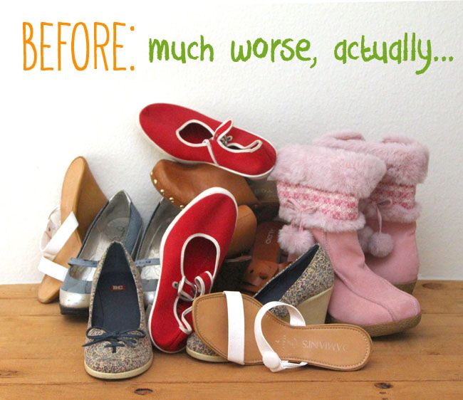 Got messy shoes in your closet? This SUPER space saving and surprisingly sturdy DIY shoe rack holds more shoes in a small area than most shoe rack you can buy!…