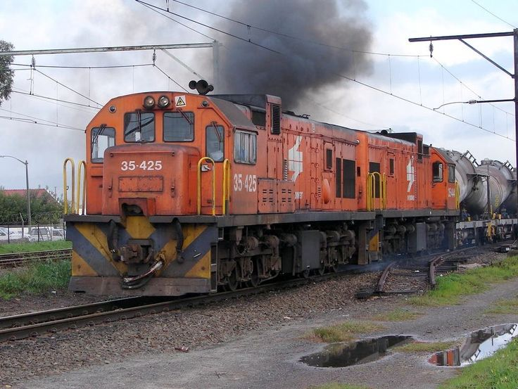 South Africa - The South African Class 35-000 type GE U15C diesel-electric locomotive was designed and built for the South African Railways (SAR) by General Electric (GE) and imported. The first batch of fifty locomotives was delivered in 1972, numbered in the range from 35-001 to 35-050, with the first locomotives arriving in March. These were followed by a second batch of twenty in 1973, numbered in the range from 35-051 to 35-070. The last locomotives arrived in May 1973