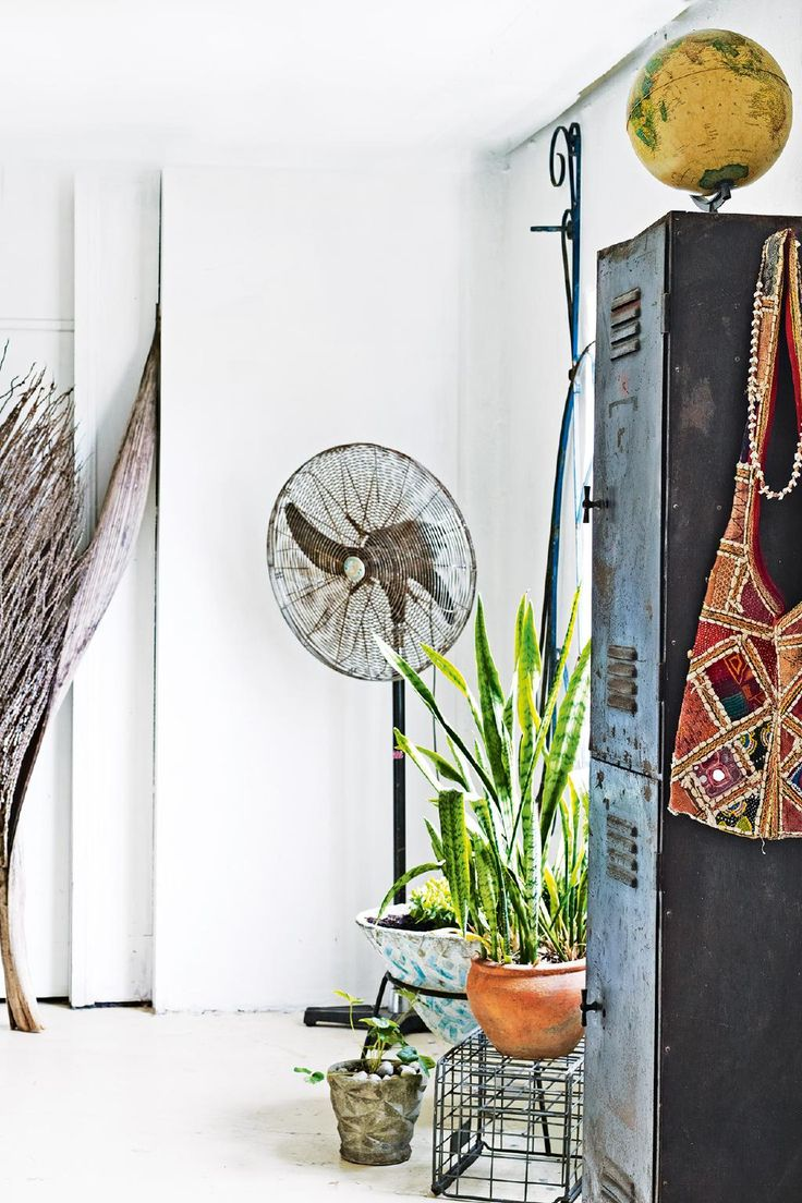 How to perfect incorporating well-loved antique pieces into your home decor. Photography by Prue Ruscoe. Styling by Andrea Millar.