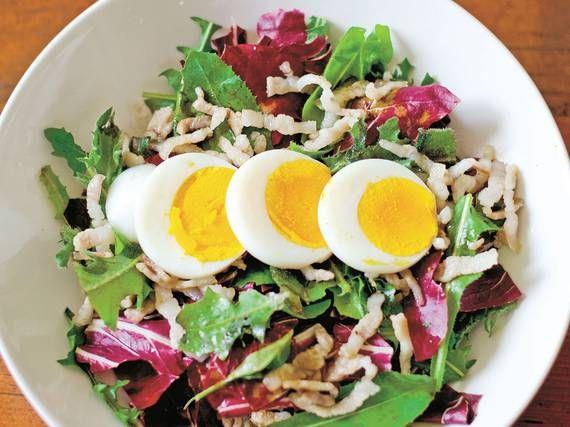Insalata di radicchio con uova e pancetta - Piattoforte