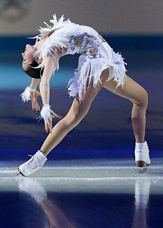Shizuka Arakawa wins Medalists Winners Open