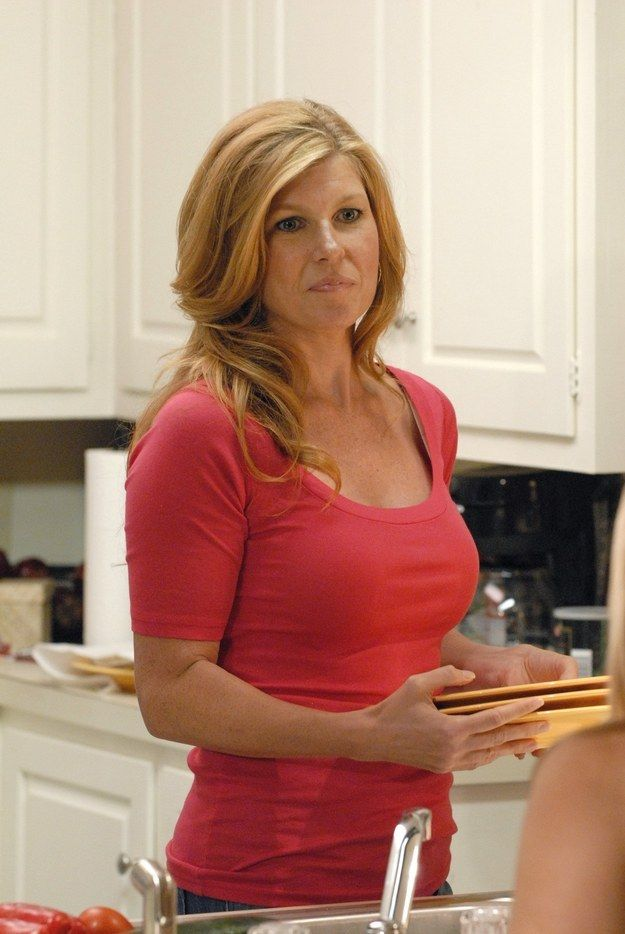 When, on Friday Night Lights, it was abundantly clear that this was BEYOND the best hair in Dillon, Texas, y�all: | 22 Times Connie Britton's Hair Was The Greatest Thing To Grace This Earth