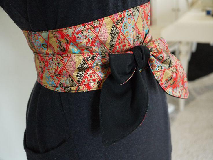 Obi, ceinture japonaise réalisée en tissu liberty japonais dominante rouge et or