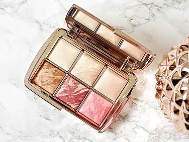 REVIEW & GIVEAWAY! Hourglass Ambient Lighting Edit Volume 3