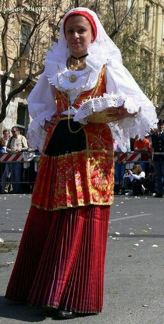 Pula abito tradizionale da donna