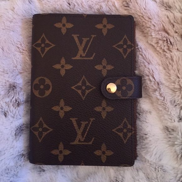 BRAND New Louis Vuitton PM Agenda PERFECT condition, bought in Florence, Italy. No marks, tears, or signs of use at all. LV Gold-sided agenda papers included. Louis Vuitton Accessories