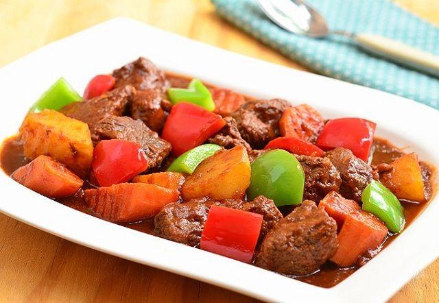 A Filipino beef mechado