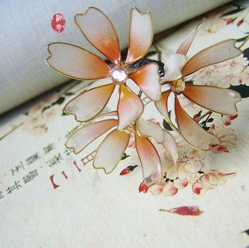 Palillo del pelo de floración crisantemo por Numerousflowerfall