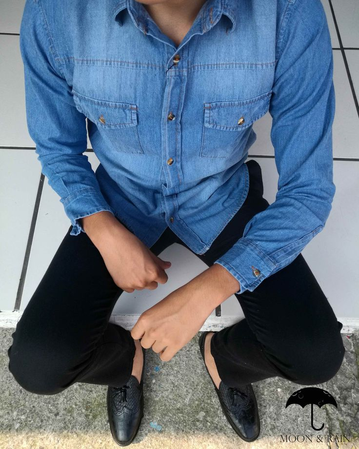 High Fashion Men, Mens Fashion, Denim Button Up, Button Up Shirts, Mom Jeans, Outfit, Swag, Pants, Jackets
