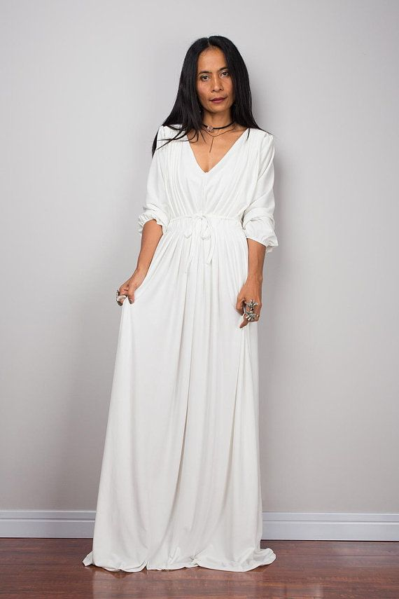 Long off white maxi dress with long sleeves, pleated dress