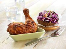 Grillet kyllinglår med kålsalat