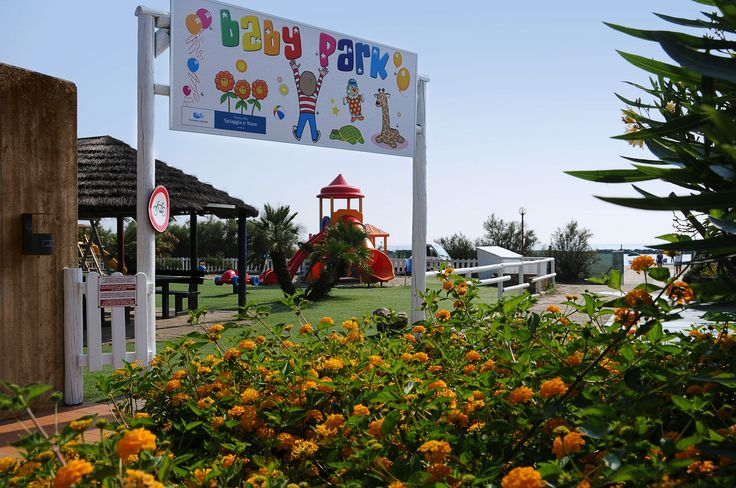 Kids area. Children can paly here and parents can relax themselves.  #miniclub #kids #kidsatthebeach www.campingspiaggiamare.it