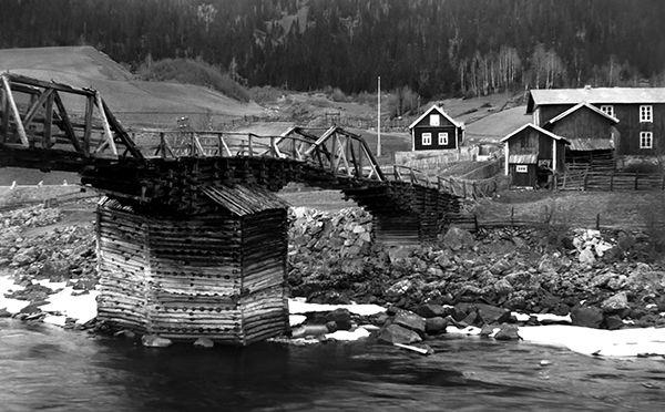 Nr. 5. Sando bru, ca 1917. Utlånt av Olav Oppsato