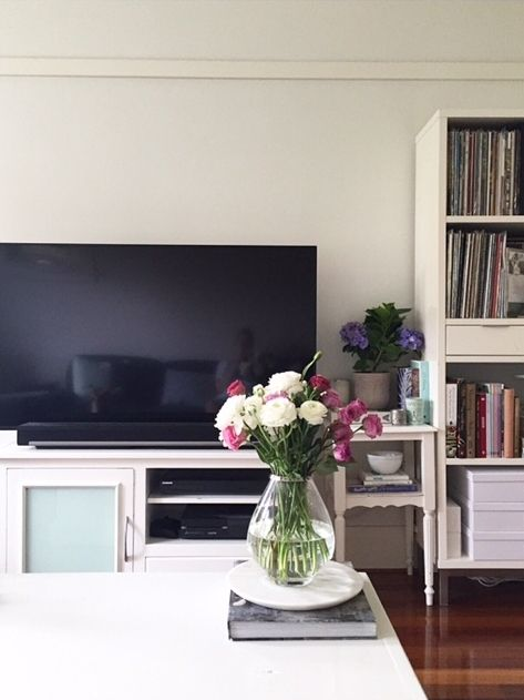 Sally Bay -loungeroom -interior design -interior decorating -floral -pink -marble -homewares -white   Instagram: @sally_bay  Website: www.sallybay.com.au