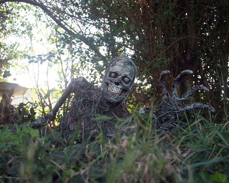 zombie build how to 1 and 12 dead men hauntforum - Zombie Halloween Decorations