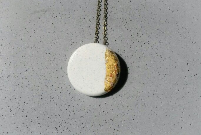 Pendant #gold #white #concrete