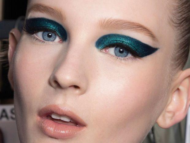 Tendenze trucco occhi: l'eyeliner diventa colorato