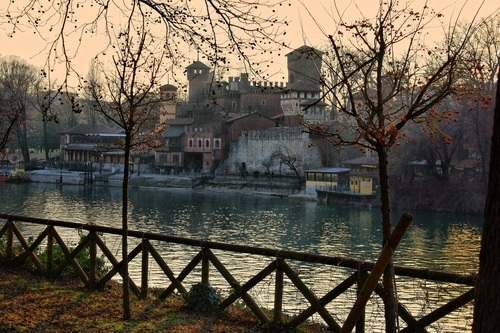 Enjoy a romantic promenade through the Parco del Valentino (Turin, Italy)