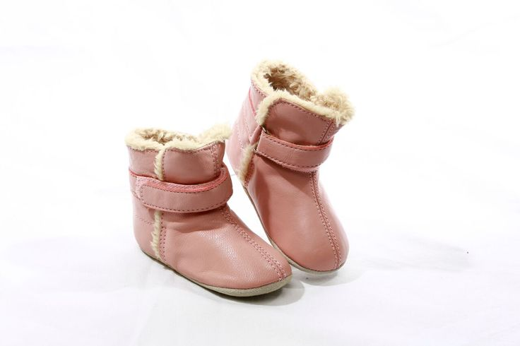 Skeanie Snug in Pink  Baby Boots Keep those gorgeous baby feet warm and comfortable in our Skeanie Girls Snug boots.