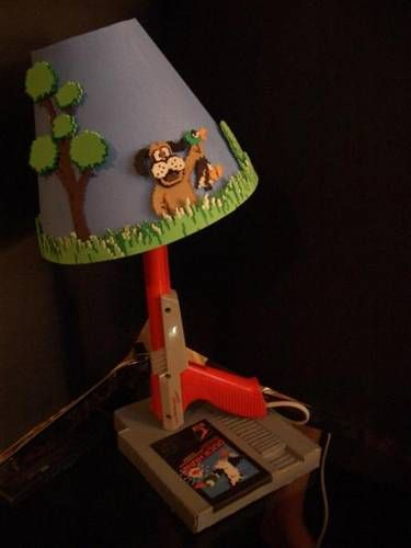 DIY Duck Hunt NES zapper lamp - this will be made!: Lamps Design, Ideas, Childhood Memories, Nintendo, Duckhunt, Videos Games, Ducks Hunt'S, Geek Crafts, Hunt'S Lamps