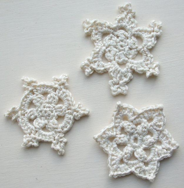 Round, Popcorn and Starflower Snowflakes by Very Berry Handmade